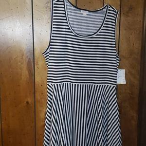 Lularoe 3x Black and White dress